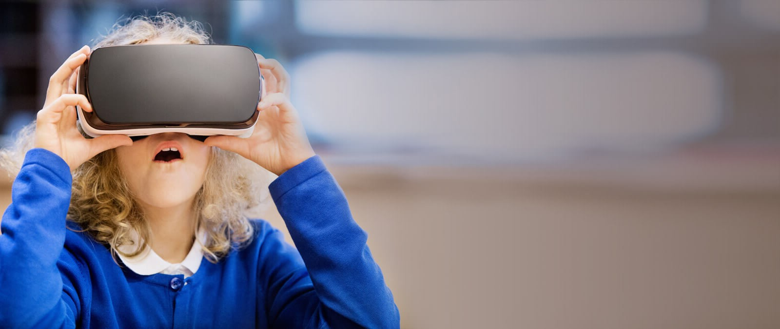 tip top brain student with vr headset